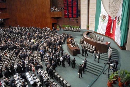 Cámara baja aprueba la Ley General de Comunicación Social; genera controversia entre legisladores