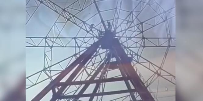 VIDEO: Hombre cae de rueda de la fortuna al intentar tomarse una selfie