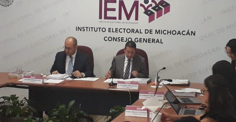 Sesiona comisión de organización del IEM; funcionarios de juntas distritales se quedan fijos