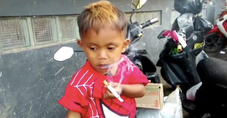 A sus dos años de edad fumaba dos cajetillas diarias, logró dejar el vicio gracias a este método