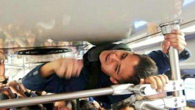 Photo of VIDEO: Salva su bono de puntualidad porque viajó en el techo del metro