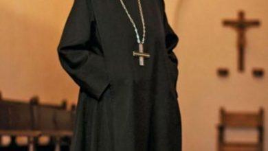 Photo of Monja elegía niños con discapacidad para que sacerdotes los violaran