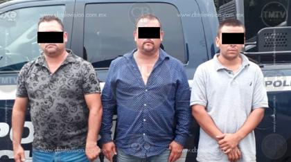 Arrestan a tres personas con aguacate y una más con droga sintética
