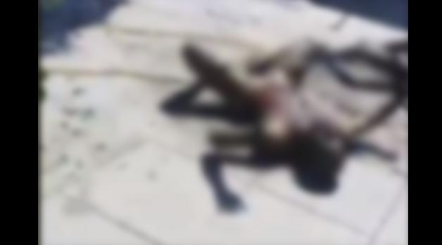 VIDEO (+18):Queman vivos a dos hombres