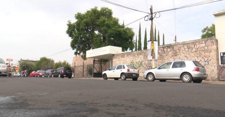 Padres de familia denuncian inseguridad en la calle Francisco Márquez