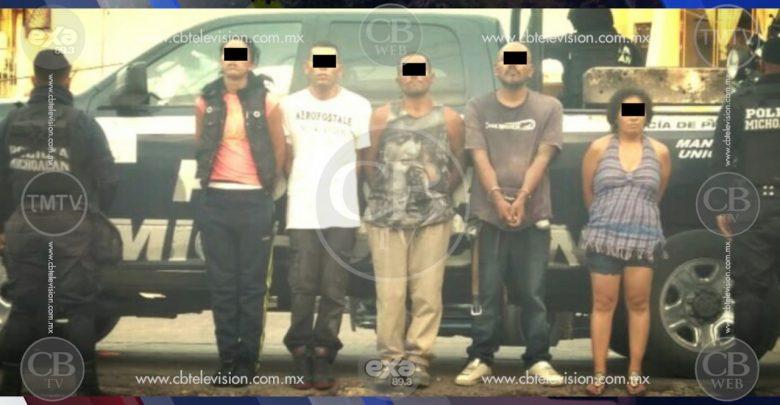 """Arrestan a la """"Flaca"""" y la """"Norma"""" con droga; las cuidaban tres """"vatos"""" más"""