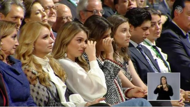 VIDEO: Arranca Peña Nieto lágrimas a su familia en mensaje por Sexto Informe de Gobierno