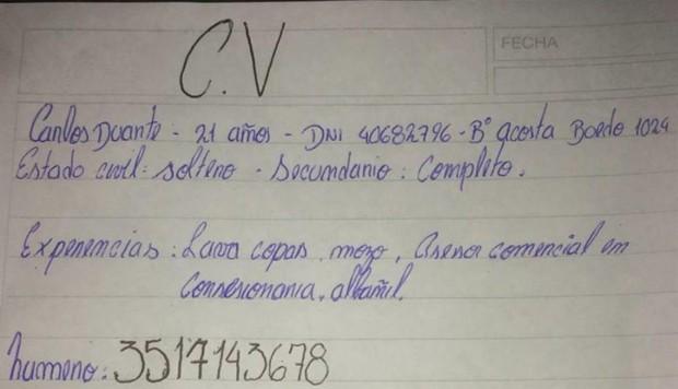 Consigue trabajo tras viralizarse su CV escrito a mano