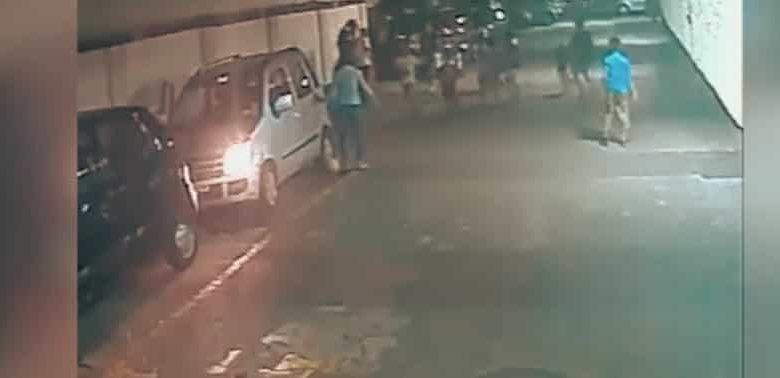 VIDEO: Niño es arrollado por un auto, se levanta y se va corriendo como si nada