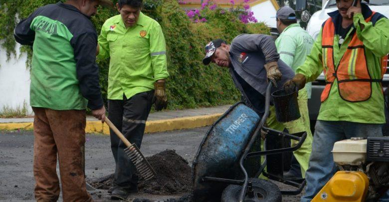 Continúa Ayuntamiento labor intensa de bacheo en Morelia