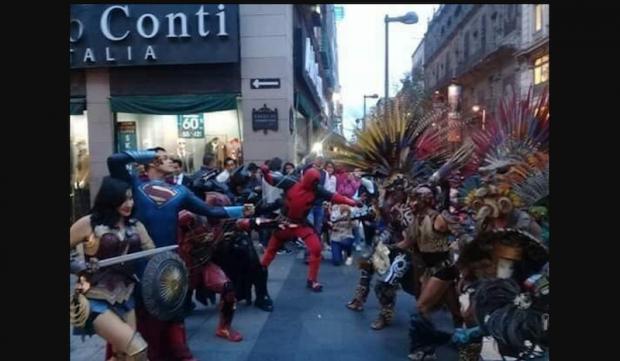 Superhéroes se enfrentan a dioses prehispánicos en el Centro de CD.MX.