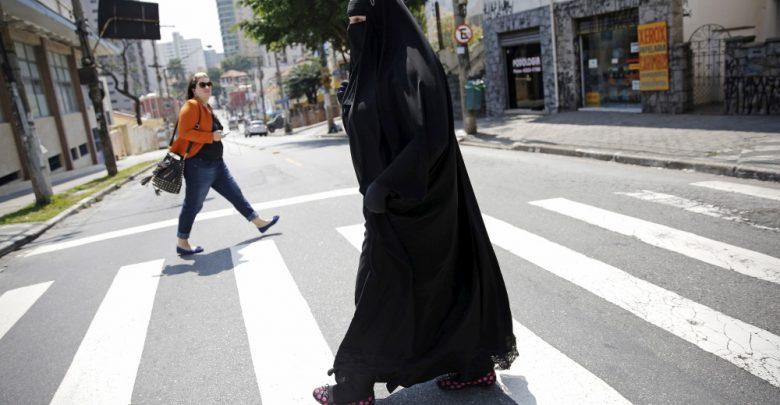 Azotan a joven musulmana por fugarse con su novio hindú