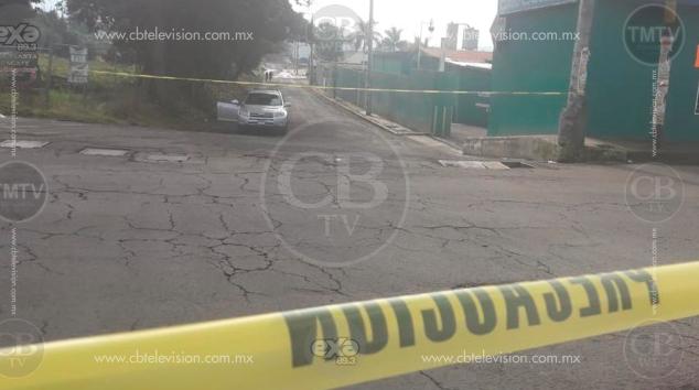 Motosicarios asesinan a conductor de camioneta