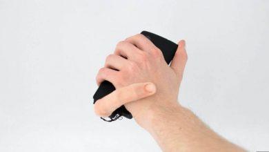 Crean dedo robótico que acaricia tu mano mientras usas el celular