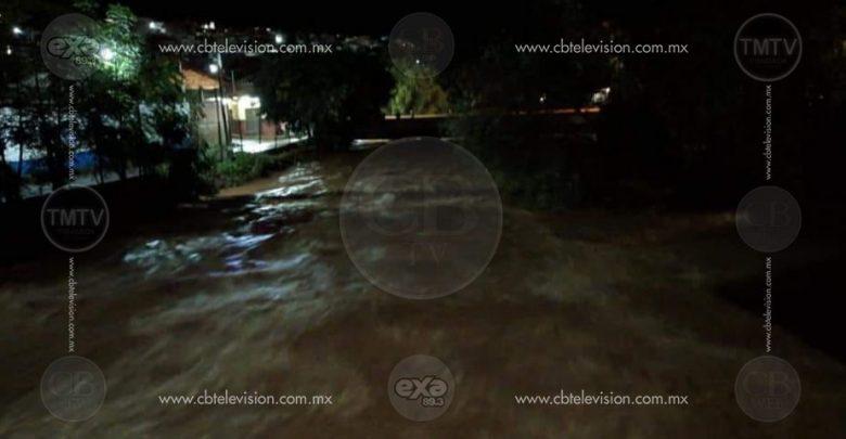 Se desborda río en Cotija, hay viviendas y automóviles dañados: PCE