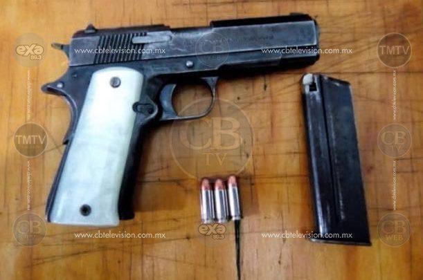 Detiene Policía Michoacán a cinco con dos armas de fuego y cartuchos