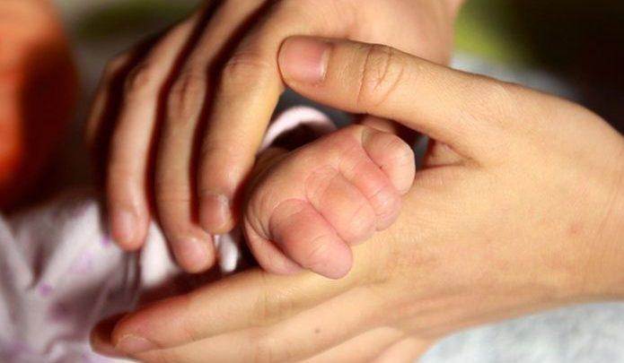 Mató a la bebé de su novia a golpes por que no dejaba de llorar