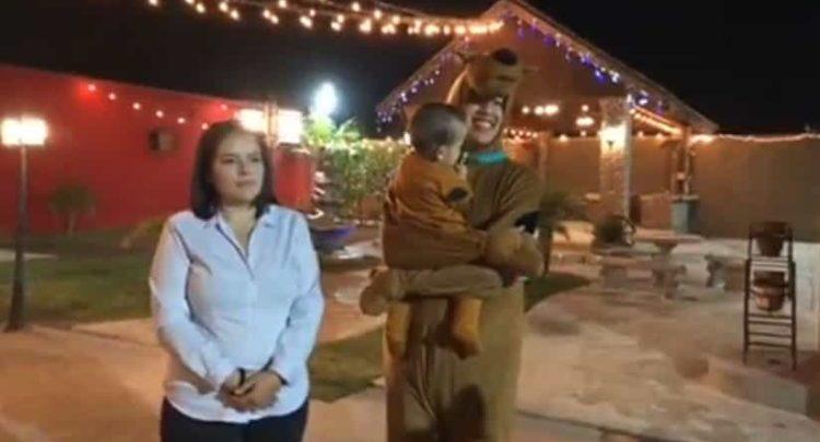 Se disfraza de Scooby Doo y consigue boda gratis tras hacerse viral en Mexicali