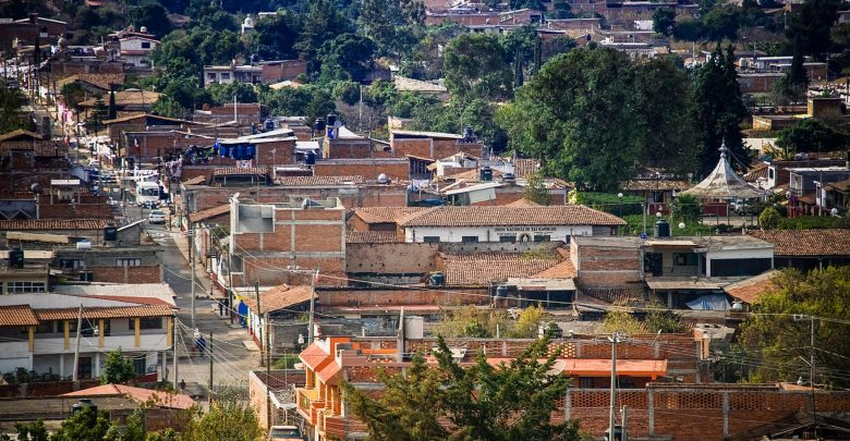 Detiene Policía Michoacán a presunto jefe de plaza de Tzintzuntzan