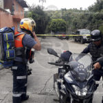 Balearon a tres personas frente a su domicilio en Uruapan, uno de ellos murió