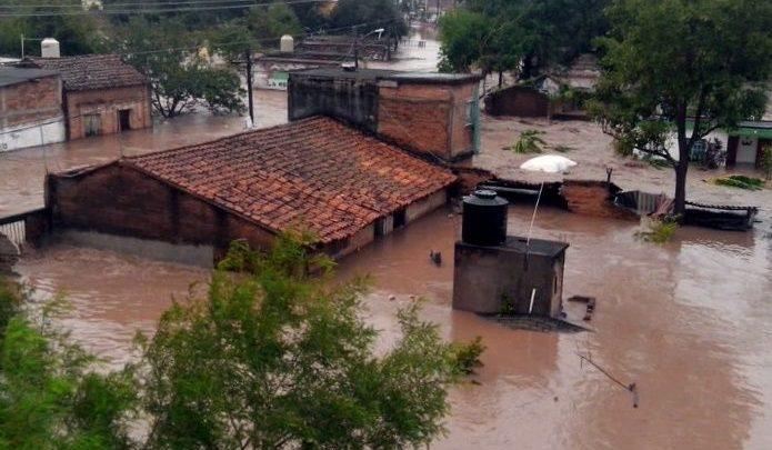 Ahora Nayarit y Sinaloase encuentran bajo el agua debido a las lluvias