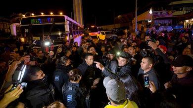 'Lárguense de aquí, no los queremos'; mexicanos encaran a migrantes