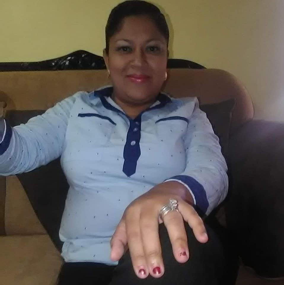 Internautas exhiben a hondureña en minifaldas y con accesorios de lujo