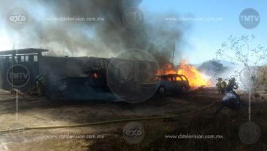 Arde bodega clandestina de combustible al sur de Morelia