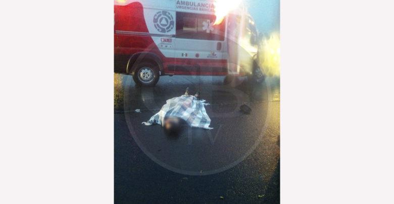 Auto que se dio a la fuga atropella y deja herido a peatón en Morelia
