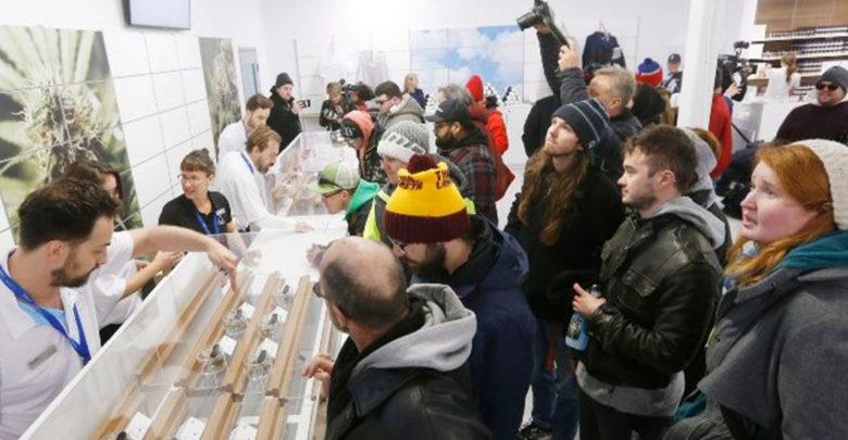Canadá enfrenta escasez de marihuana luego de legalización
