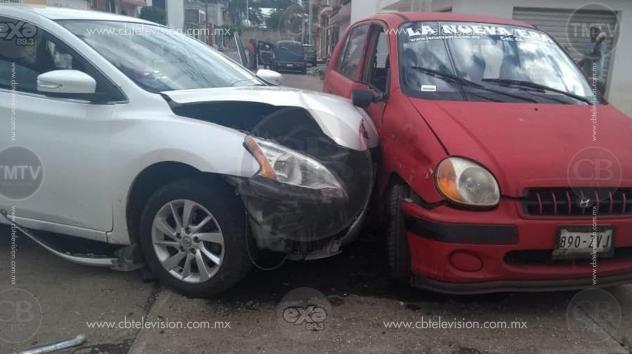 MORELIA: Choque deja heridas a mujer y niña