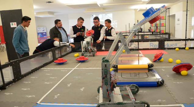 Colegio de Morelia y CECyTEM firman convenio