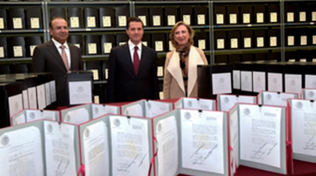 Presidente Enrique Peña visita el Archivo General de la Nación