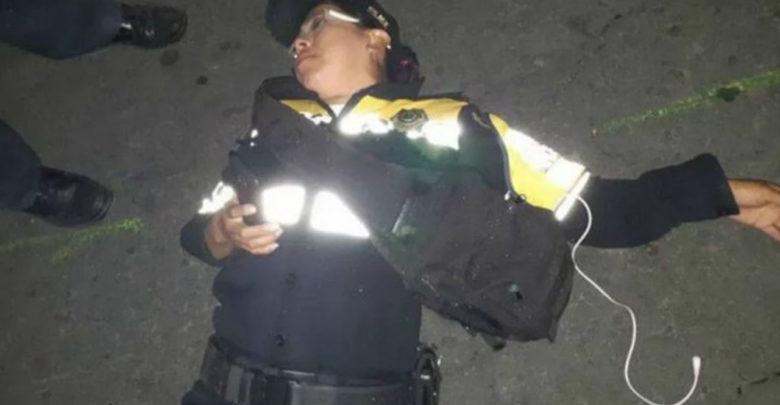 Conductor golpea a mujer policía porque intentó multarlo
