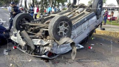 Cuatro heridos dejan dos volcaduras en diferentes puntos de Uruapan