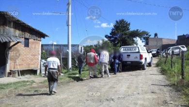 Familiares de anciano lo hallaron muerto afuera de su casa en Morelia
