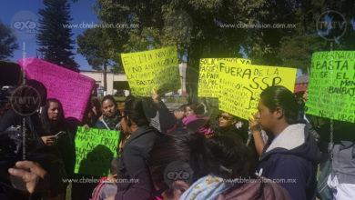Familiares de policías se manifiestan en Morelia por falta de pagos