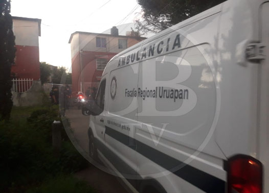 Hombre es perseguido por desconocidos y asesinado a balazos en Uruapan