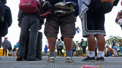 Más de 100 niños van sin familiares en la primer caravana migrante