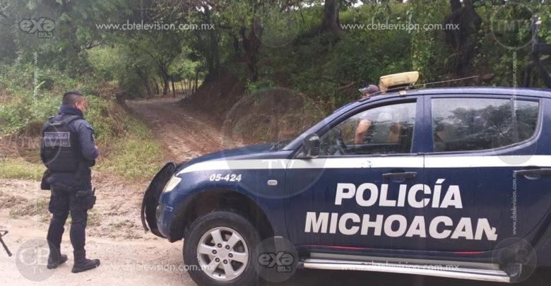 Mientras caminaban por una brecha encontraron a un hombre asesinado en Michoacán