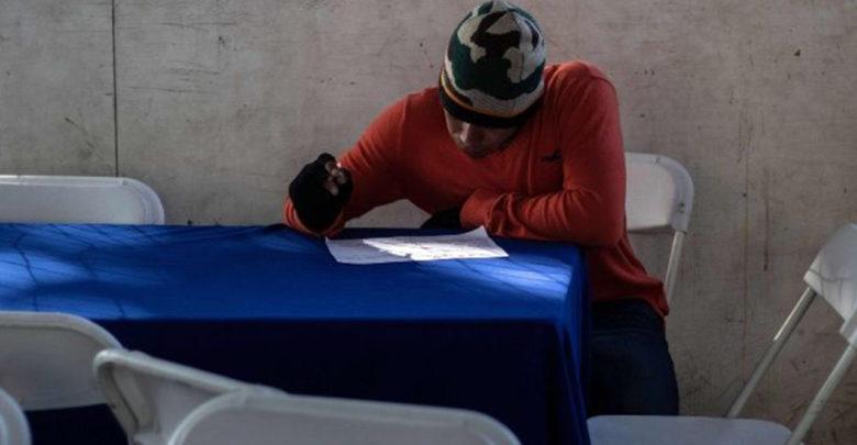 Migrantes han acudido a ferias de empleo, al menos 20 han encontrado trabajo en México