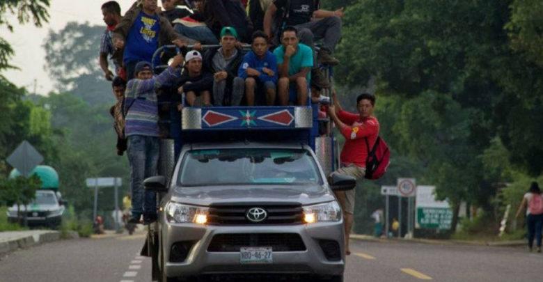 Reportan desaparición de dos camionetas que transportaban al menos 90 migrantes