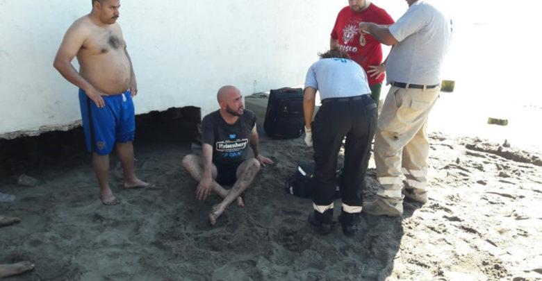 Rescatan a turista moreliano que se ahogaba en Lázaro Cárdenas