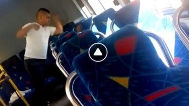 Se viraliza chofer golpeando a joven por no pagar transporte en Morelia