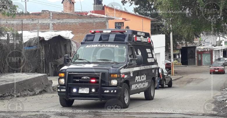 Sicarios le meten tres tiros en la cabeza a un joven en Zitácuaro