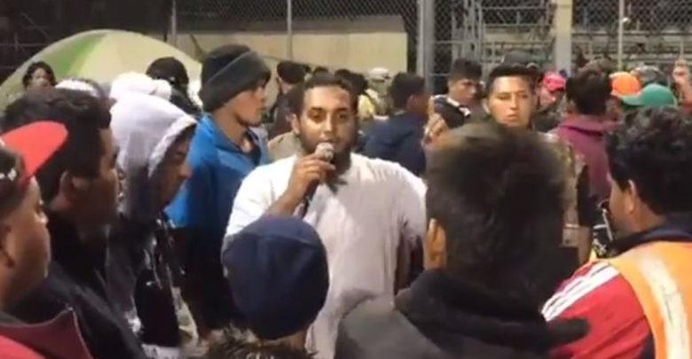 VIDEO: Migrantes agradecen a mexicanos por la comida, el techo y la ropa