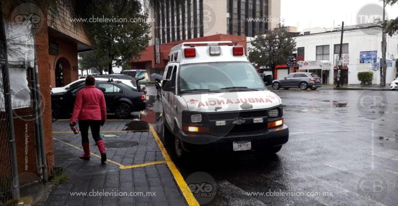 Choca ambulancia de la Cruz Roja con un Jeta sobre Ventura Puente