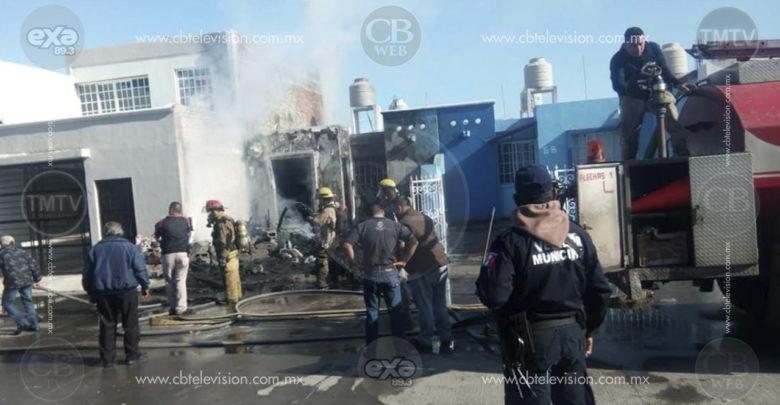 Arde casa de Fraccionamiento en Zamora, debido a la magnitud del fuego la residencia fue pérdida total