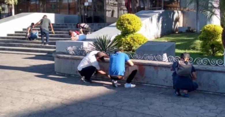 "Salvadoreños organizan ""brigadas de limpieza"" para agradecer a México"