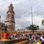 """Raúl Morón realiza recorrido en el Centro Histórico por acciones de """"Noche de Muertos"""""""